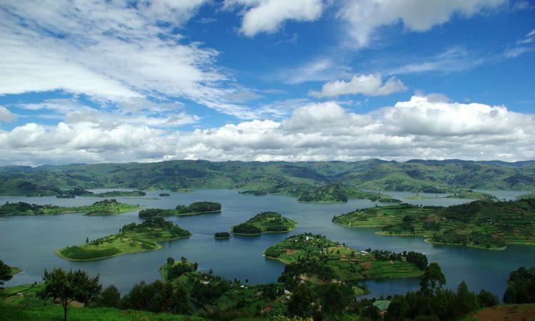 Lake Bunyonyi & Bwindi Impenetrable National Park